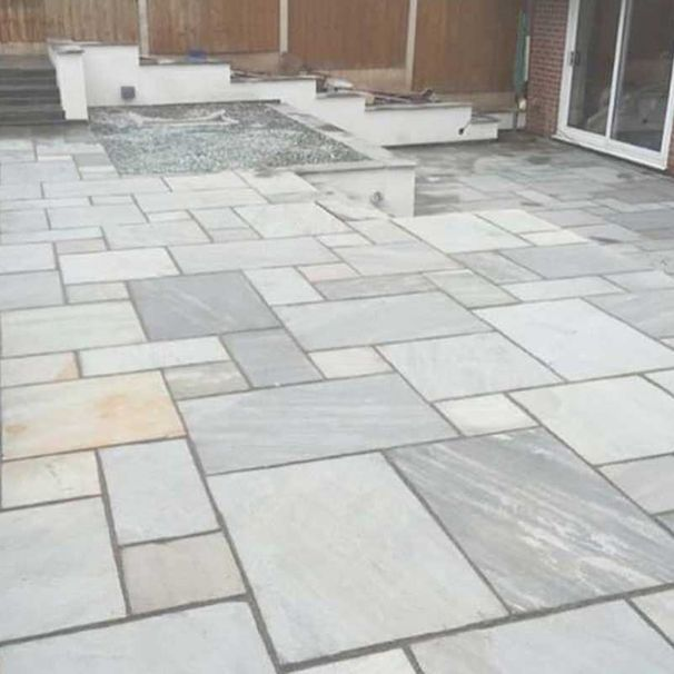 different coloured patio slabs